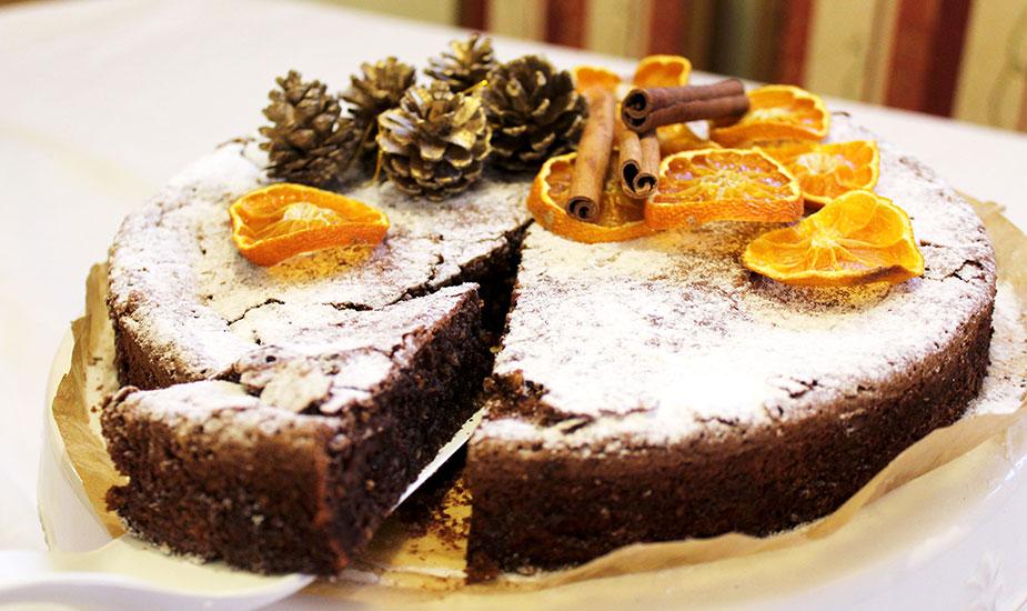 Kako napraviti zanimljiv food blog i privući puno čitatelja finjak portal savjeti gastro bloger food blogerica savjeti ideje recepti kolači slastice hrana bozicna-caprese-torta
