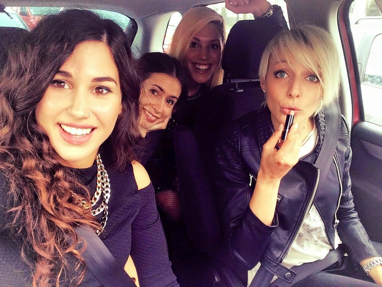 Kako u stvarnosti izgleda život benda i može li se živjeti od glazbe luminize bend cure girl band hrvatski bend nizozemska kako bend cure selfie cura