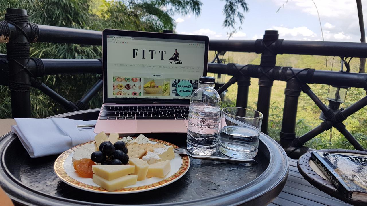 Nada: Kako pokrenuti uspješan fitness blog na Balkanu Nada fitt rs blog fitness prehrana finjak intervju savjeti trening blog blog