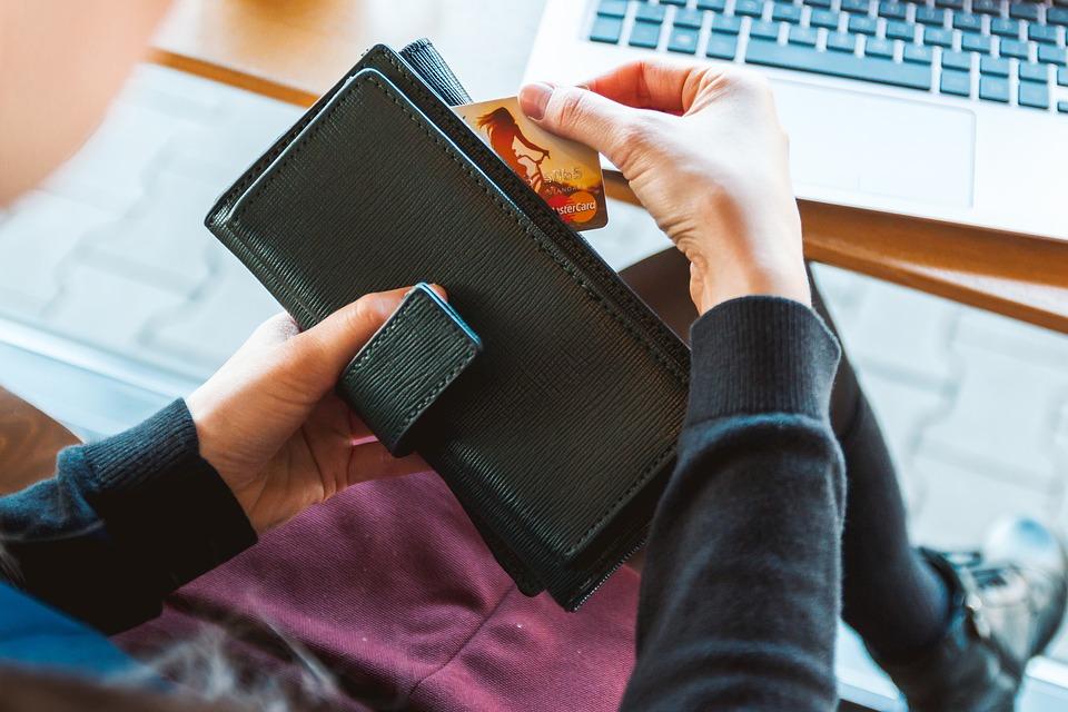 Što je financijska sloboda i kako uspješno upravljati novcem financije upravljanje novac investiranje štednja karolina herbut finjak portal savjeti štednja novac kartica