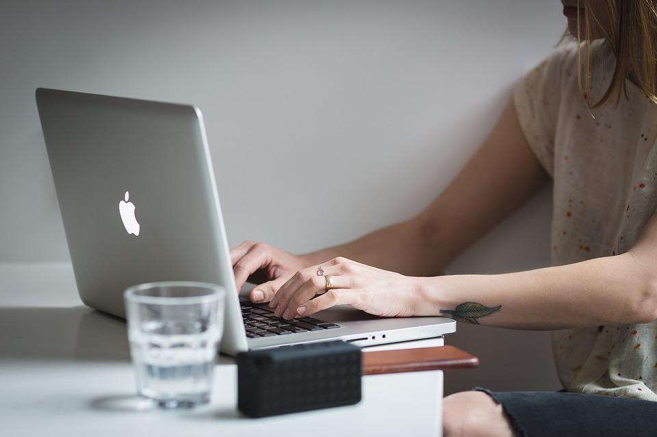 Kako postati uspješan lider u poslovnom svijetu uz nekoliko jednostavnih trikova biti lider tima posao biznis suradnja finjak portal rad na računalu