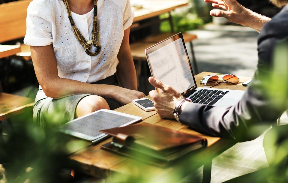 Kako postati uspješan lider u poslovnom svijetu uz nekoliko jednostavnih trikova biti lider tima posao biznis suradnja finjak portal sastanak