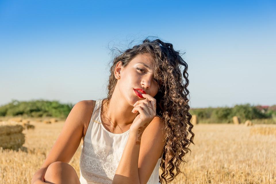 TRENDY FRIZURE: Koje će ženske frizure biti najpopularnije u ljetnim mjesecima?