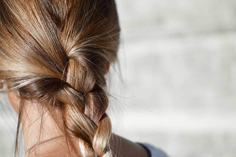 pletenice frizura finjak