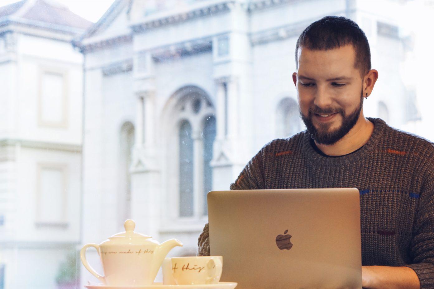 Kako postati digitalni nomad i zarađivati novac putem interneta?