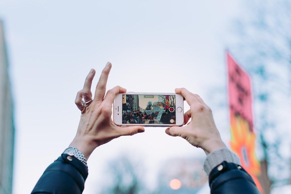 Kako snimanje i uređivanje videa pretvoriti u uspješan biznis rad na terenu snimanje video materijal finjak portal ideje video snimka snimanje videa telefonom pametni telefon